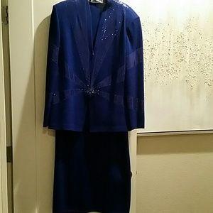 St. John 2 Piece Evening Wear